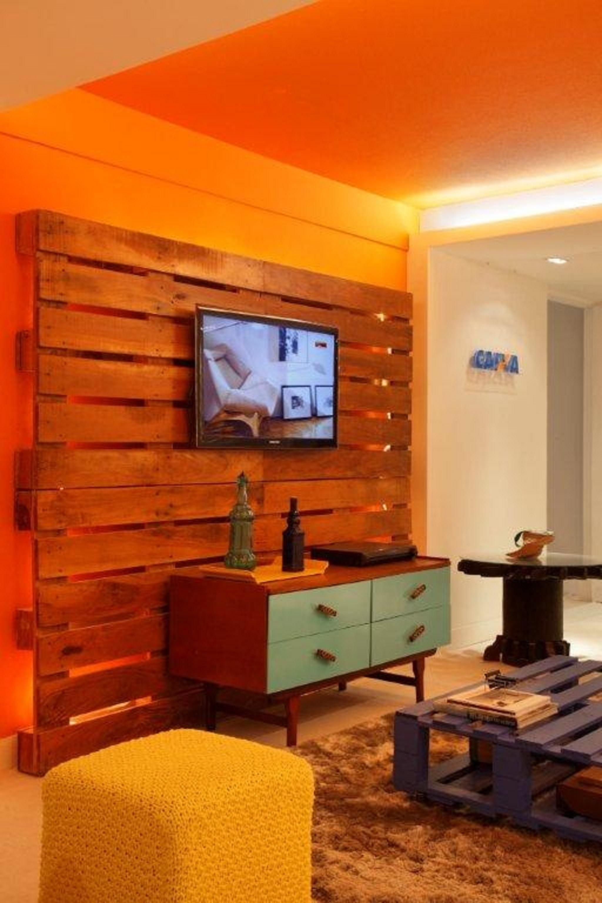 feitos com paletes Sala de estar – mesa e suporte de TV feitos com #C74104 2048x3072